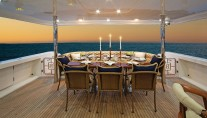 HIGH COTTON - Aft Deck Dining